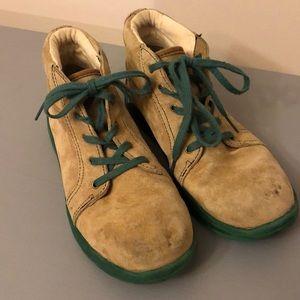 Kid's UGG suede chestnut boots size 4 (Ladies 5.5)